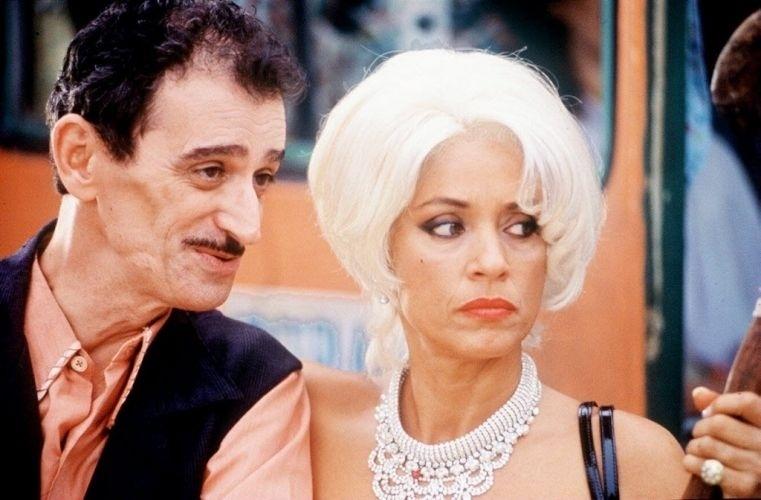 """4.out.1996 - Os atores André Valli e Sonia Braga em """"Tieta do Agreste"""", filme de Cacá Diegues"""