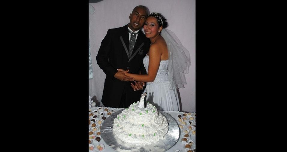 Bruna Queiroz e Antonio Carlos se casaram em 16 de julho de 2011, em Itapecerica da Serra (SP), na igreja Jesus de Nazaré