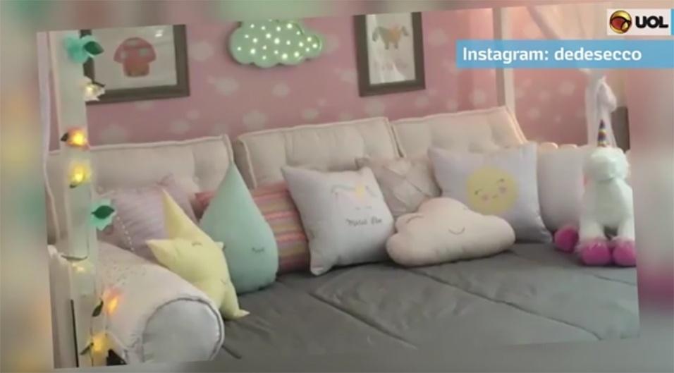 24.fev.2017 - A atriz Deborah Secco mostrou nesta semana, em sua conta no Instagram, a nova decoração do quarto da filha, Maria Flor, de um ano de idade.