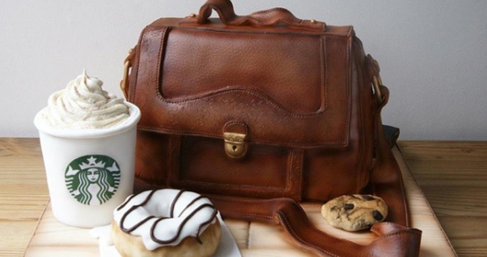 17. Tudo na foto é, na verdade, bolo! A bolsa, o café, o cookie e a rosquinha