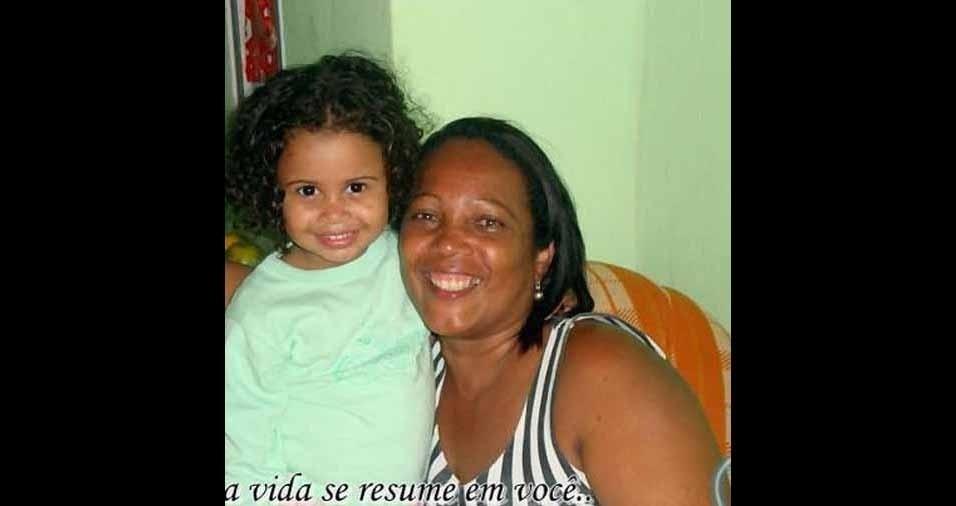 A vovó Shirla enviou sua foto com a netinha Eduarda, de Salvador (BA)