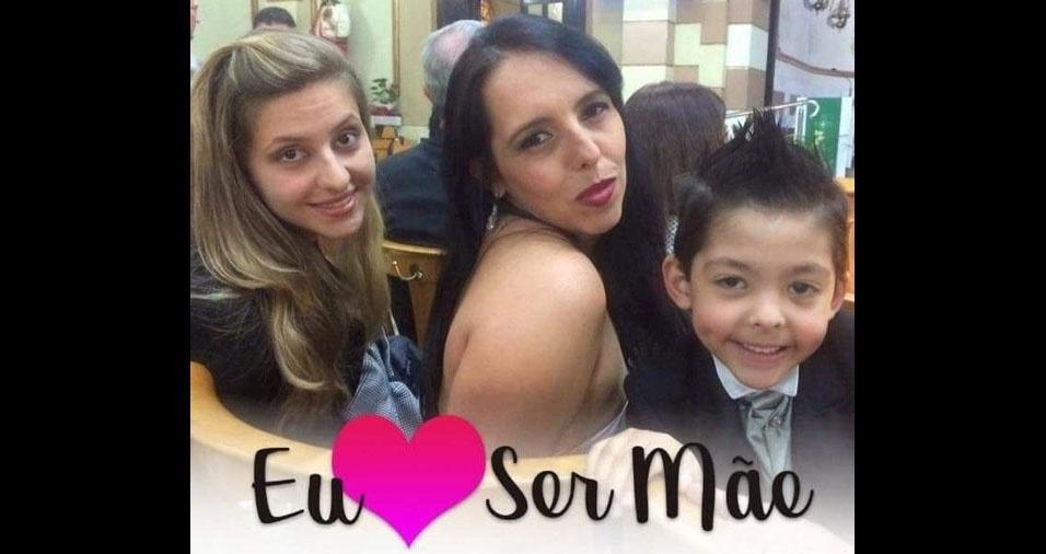 Sybel Castaldelli Corrêa Oliani com os filhos Ana Carolina Corrêa e Gustavo Corrêa Oliani, de Guarulhos (SP)