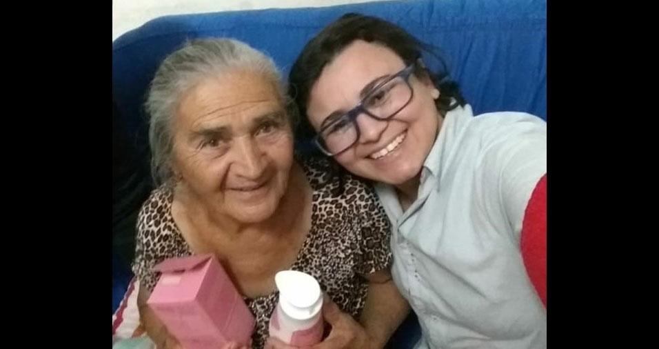 Suzana Souza com a vózinha Sebastiana Amâncio, de Sarandi (PR)