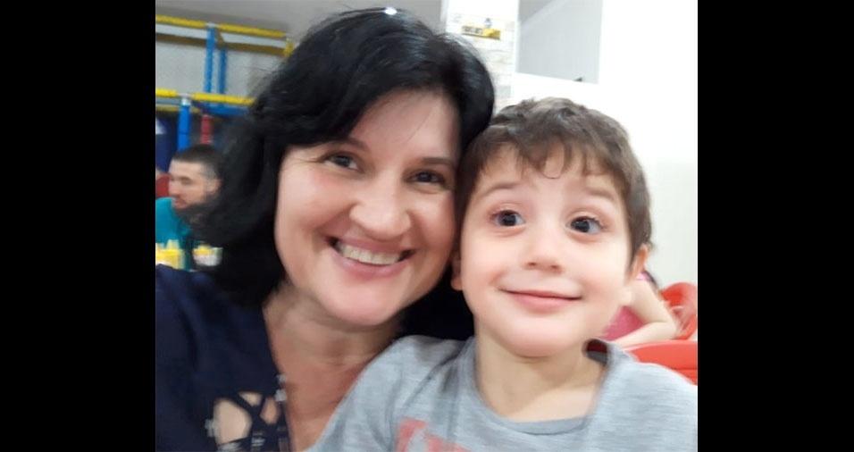 """Vovó  Regina Beraldo e seu neto Nicolas, quatro anos, de Piracicaba (SP): """"Amor incondicional!"""""""