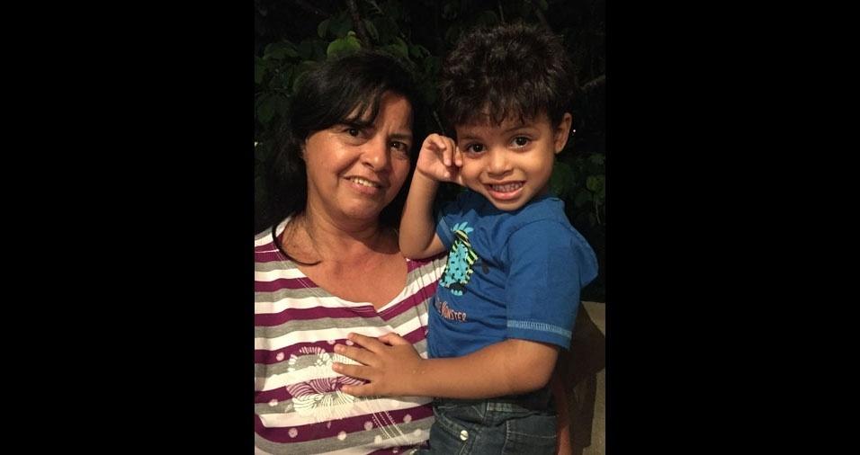 A vovó Vanice da Silva Reis com seu netinho Lorenzo Davino Guimarães