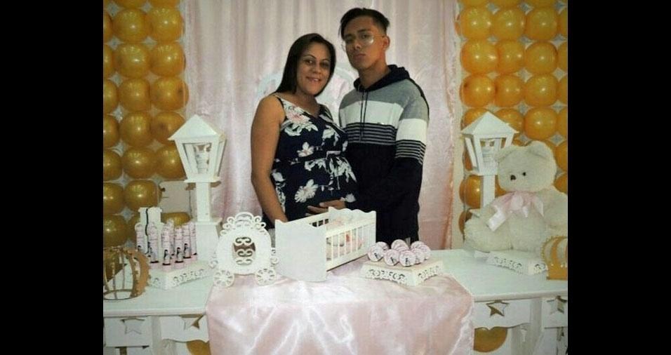 Patricia Albuquerque, de São Paulo (SP), com o filho Abner, na barriga, com 37 semanas,  Hadassa Albuquerque