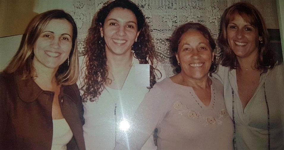 """Sandra Beatriz, de São Paulo (SP), enviou foto com as irmãs Sônia e Silvia e a mamãe Zulmira. """"Feliz dia das mães"""""""
