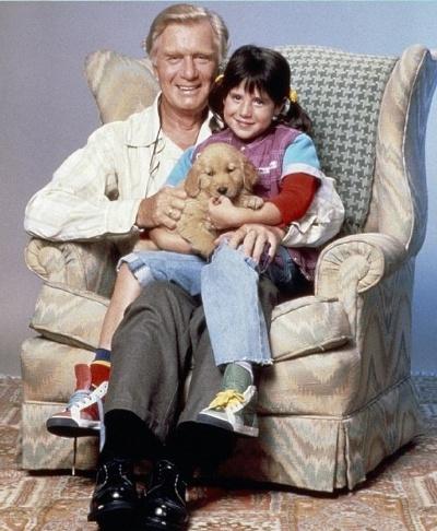 """17.fev.2016 - Morreu aos 98 anos o ator George Gaynes, conhecido pelo seu papel de Arthur Bicudo na série """"Punky, a Levada da Breca"""" (foto), e por ter interpretado o comandante Eric Lassard na franquia """"Loucademia de Polícia"""". De acordo com a revista Variety, Gaynes morreu na última segunda-feira (15), em North Bend, Washington, nos EUA. A causa da morte não foi divulgada"""