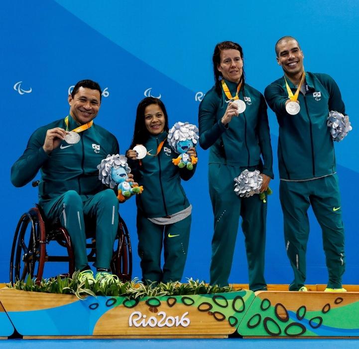9.set.2016 - Os nadadores Clodoaldo Silva, Joana Neves, Susana Schnarndorf e Daniel Dias foram prata no revezamento 4 x 50 metros livre misto, com o tempo de 2min25s45