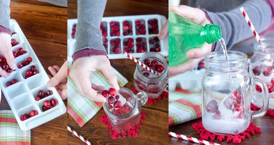 8. Faça gelo com frutinhas vermelhas. Elas vão decorar suas bebidas