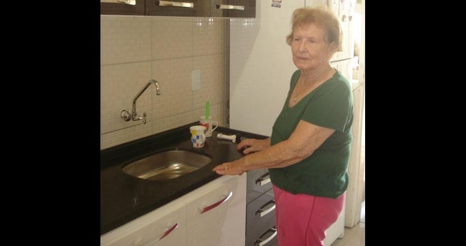 O filho Carlos Alberto com a mamãe Maria Benta, de 87 anos, de Criciúma (SC)