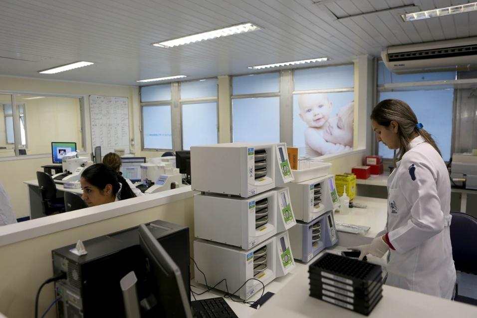A Apae-SP também possui um laboratório em que são analisados os testes do pezinho - exame que identifica diversas doenças e síndromes, entre elas a Síndrome de Down - de 77% das crianças da cidade de São Paulo. O laboratório que fica na sede da instituição, na Vila Clementino, também faz o estudo de 64% dos testes de todo o Estado