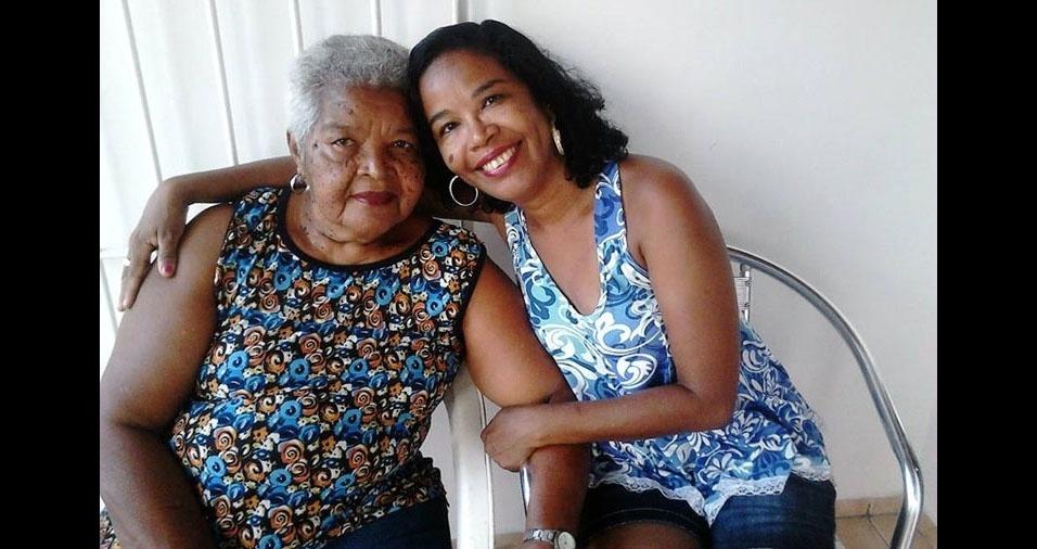 Rita de Cássia Lima com a mamãe Angelita Lima de Tinô, do Recife (PE)