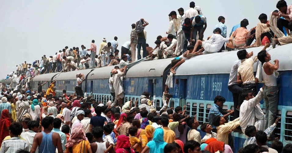 15. Com 1,3 bilhão de pessoas, a Índia tem mais habitantes do que todo o hemisfério Ocidental