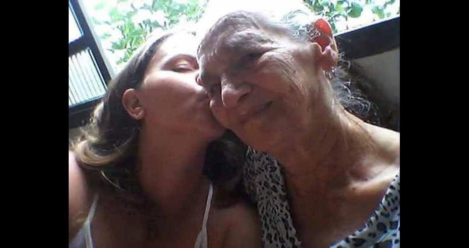 Ester Missão com a avó Maria, de Itu (SP)