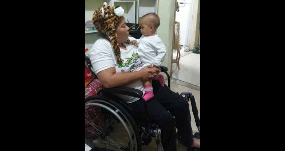 A vovó Dineia com a netinha Sophia