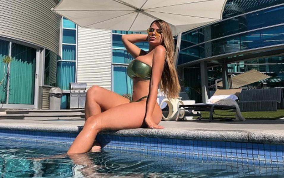 16.out.2017 - Anastasia tem 6,9 milhões de seguidores no Instagram, onde costuma postar suas fotos de biquíni e lingerie