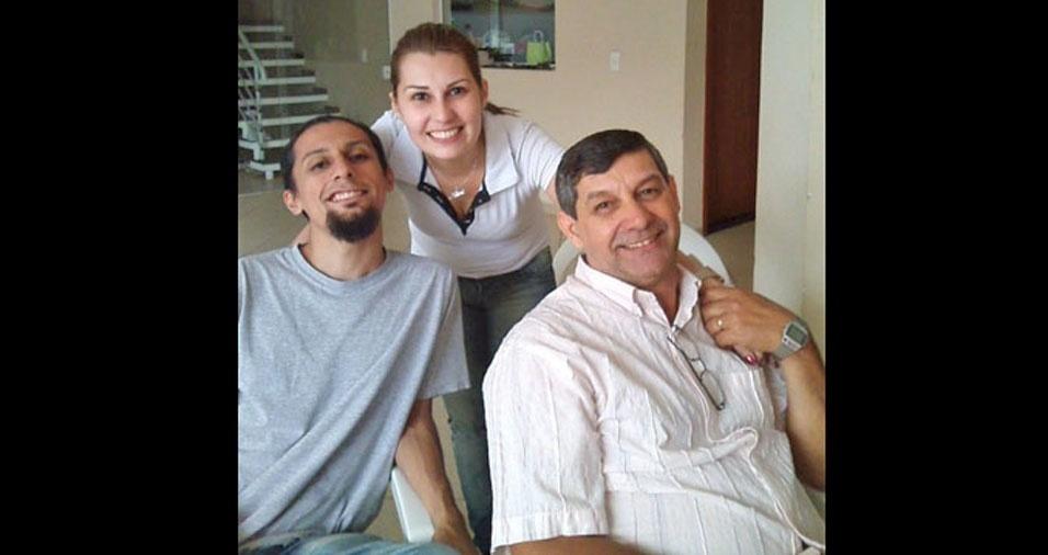 Alan e Aline com o papai Osni, de Sorocaba (SP)