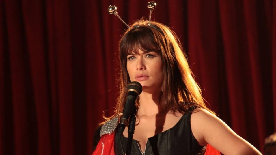 """Ago.2011 - Alinne Moraes no filme """"O Homem do Futuro"""", de Cláudio Torres"""