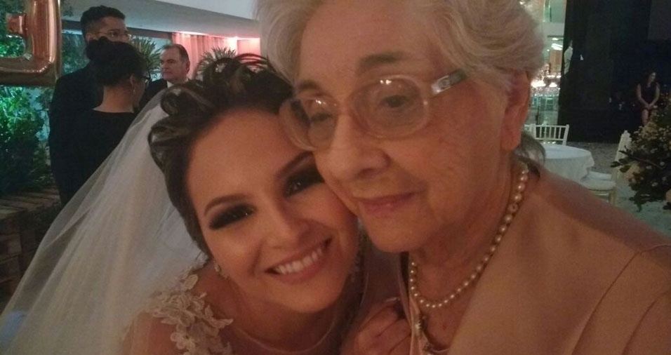 Fernanda Pignataro Emerenciano de Araújo contou com uma presença super importante no dia de seu casamento: a vovó Wanda Pignataro Emerenciano