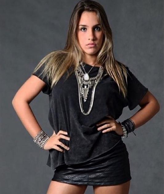 3.ago.2015 - Joana Machado posta foto de Ana Luiza em seu Instagram e enaltece a beleza da filha