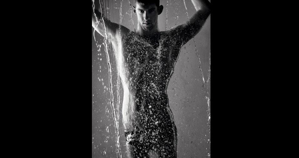 5. Michael Phelps. O nadador tem uma beleza diferente e apreciada por muitos fãs, que, além disso, também admiram, é claro, seu talento
