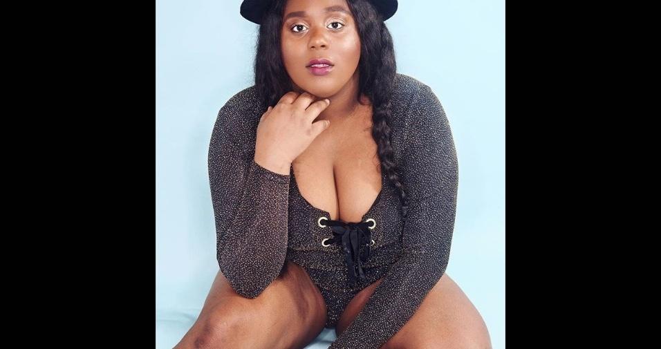 """18.abr.2017 - """"As fotos têm o poder de transformar a nossa percepção das coisas, dando mais visibilidade à diversidade dos corpos"""", defendeu Jasmine em entrevista ao DailyMail"""