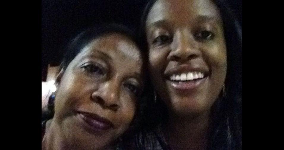 Taciana da Silva Santos com a mãe Maria Aparecida, de Uberaba (MG)