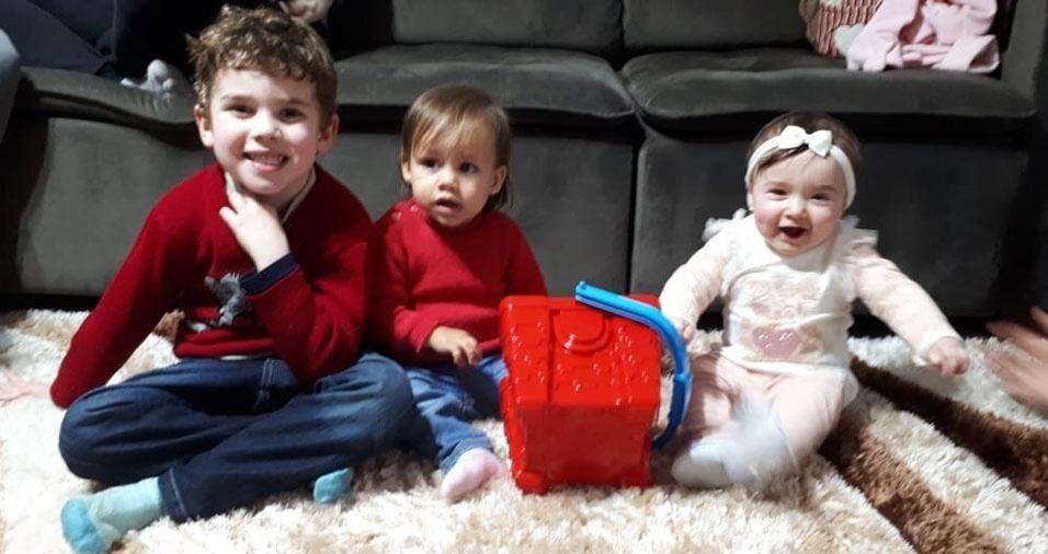 A Angelica Biche, de Pelotas (RS), mandou foto do filho Isaac com a Amalia e a Isadora
