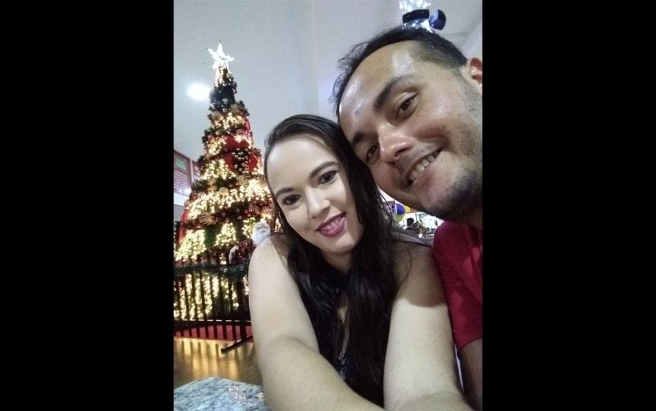 Vanusa Anselmo da Silva, de Guarabira (PB), enviou foto natalina ao lado de Gabriel Júnior