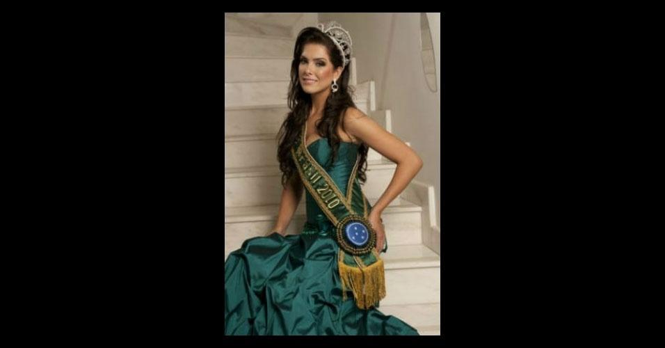 """Bônus 4: Débora Lyra - Vencedora do Top Model of The World 2008, a Miss Minas Gerais 2010 não chegou ao top 15 do Miss Universo, mas participou do reality show """"A Fazenda"""" (Record) em 2014"""