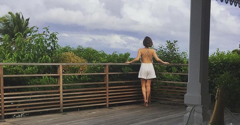 8.dez.2016 - Cássio Reis compartilha clique de viagem com a namorada Fernanda Vasconcellos no Instagram. O casal de atores visitou a ilha de St. Barth, no Caribe, após encerrar a turnê da peça de teatro em que contracenavam