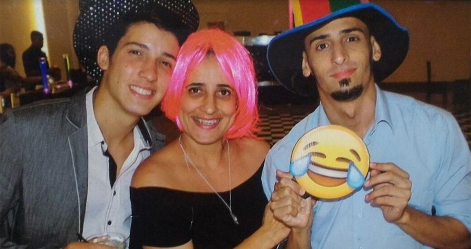 Guilherme Henrique, de São Bernardo do Campo (SP), enviou foto com a mãe Joseli e o irmão Gabriel