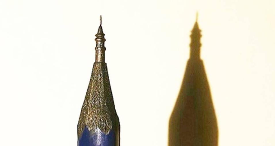 19. Além de pintar, Hasan Kale esculpe pontas de lápis nas horas vagas