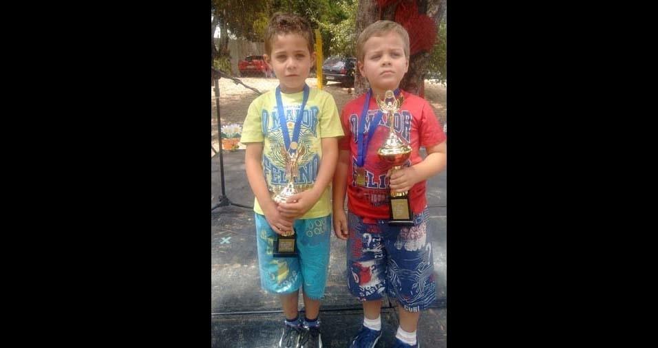 Célio Roberto enviou foto dos filhos Raul e Rennan