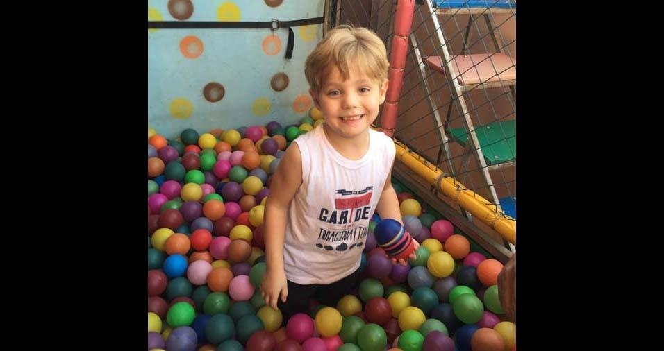 Simone e José, de Três Corações (MG), enviaram foto do filho José Júnior, de cinco anos