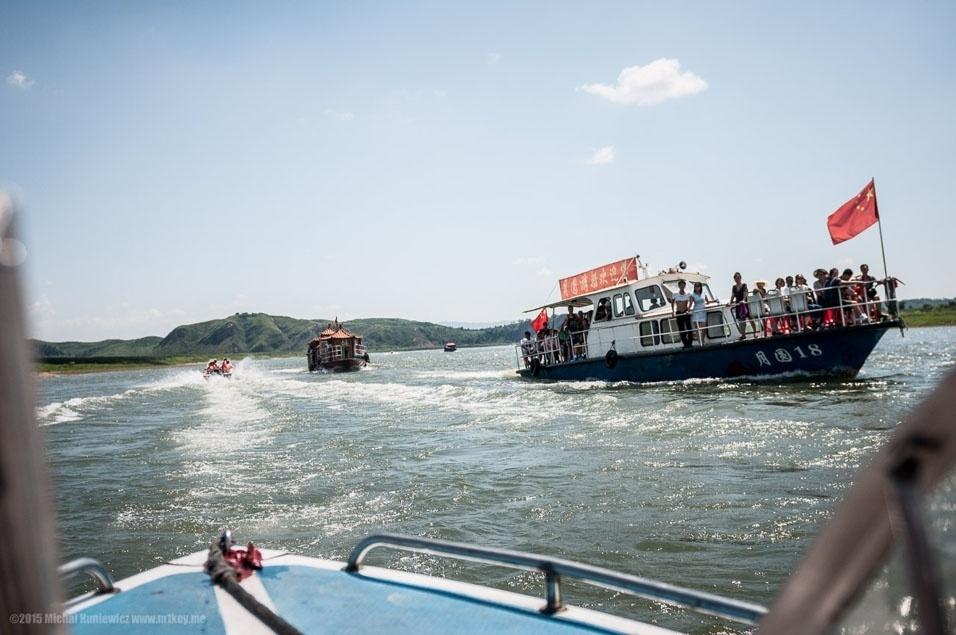 2. Rio Yalu, na fronteira da China com a Coreia do Norte. Quem não consegue visto para entrar no país, tem de se contentar com esta paisagem