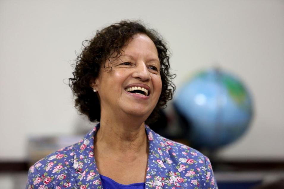 Maria Sueli passou no concurso da Prefeitura de São Paulo aos 42 anos, em 2005, e foi convocada a lecionar português na EMEF (Escola Municipal de Ensino Fundamental) Padre Antônio Vieira, no Jardim Nordeste.