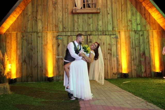 Malu de Godoy e Leandro Cruz casaram-se em Caxias do Sul (RS), no dia 16 de dezembro de 2017