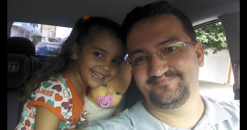 Gean Henrique Godoi com a filha Sofia, de Goiânia (GO)