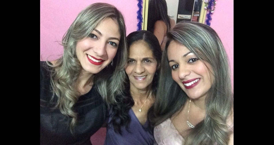 """Cristiane e Viviane com a mamãe Ana Rosa. """"A luz das nossas vidas e a alegria da casa"""", declaram as filhas; elas são de São Paulo (SP)"""
