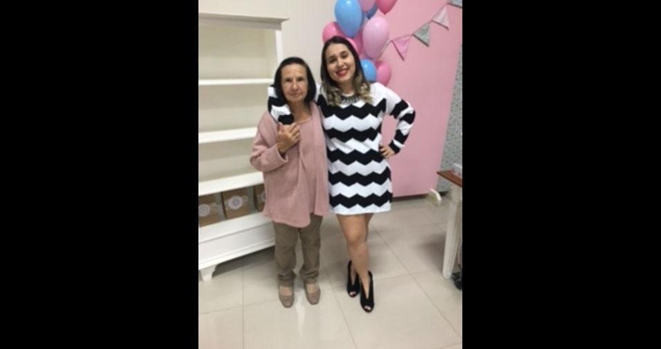 Juny Ângela, de Navirai (MS), com a vovó Laura, de Alvares Machado (SP)