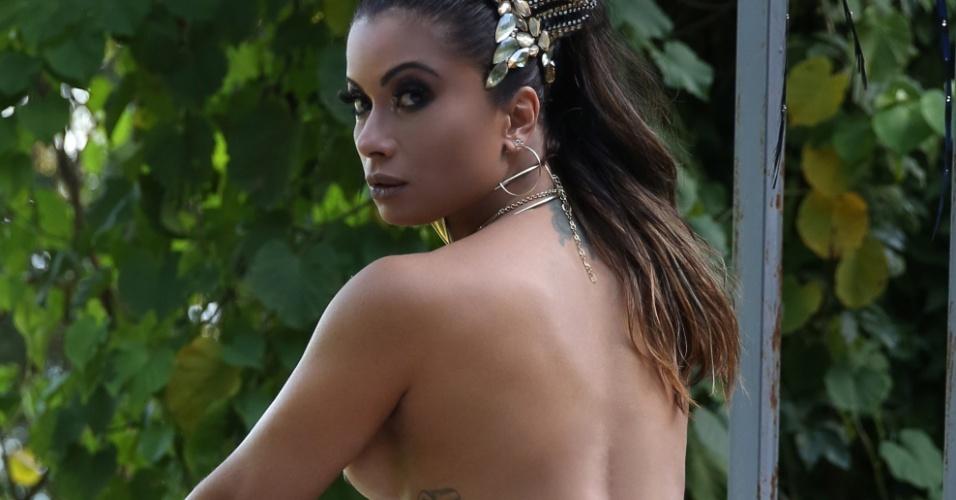 7.fev.2017 -  Dani Sperle posa sensual para o site Diamond Brazil
