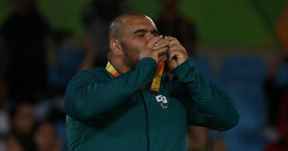 10.set.2016 - Willians Araújo levou a prata na categoria acima de 100 kg do judô