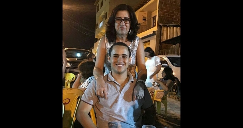 Solange da Silva Leal com o filho Pedro Silas, de Itororó (BA)