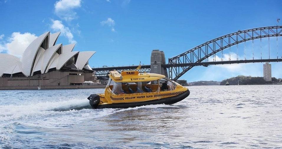 23. Em Sidney, na Austrália, também tem táxi-barco