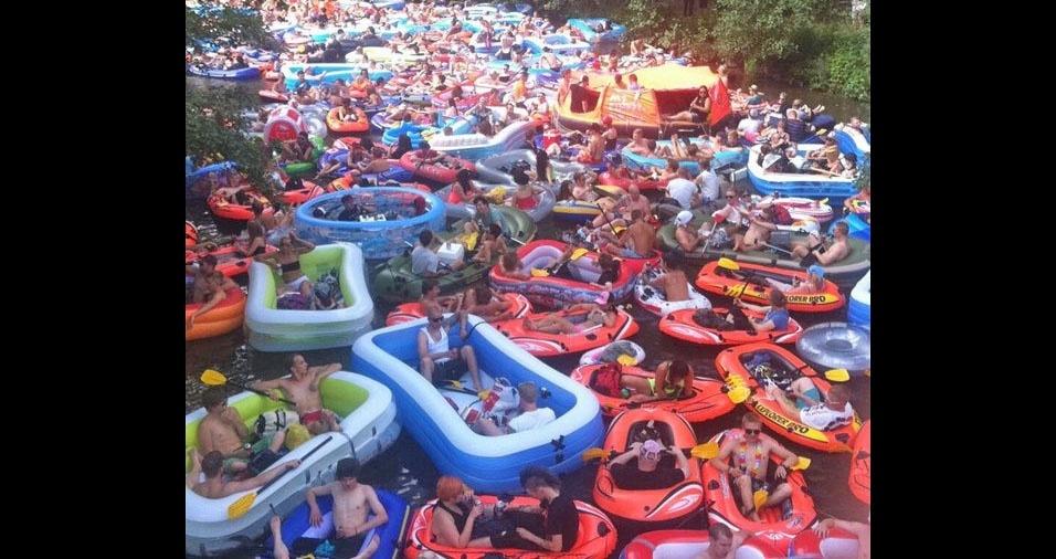 2. Imagine-se no evento anual de flutuação na cerveja perto de Helsinque, na Finlândia