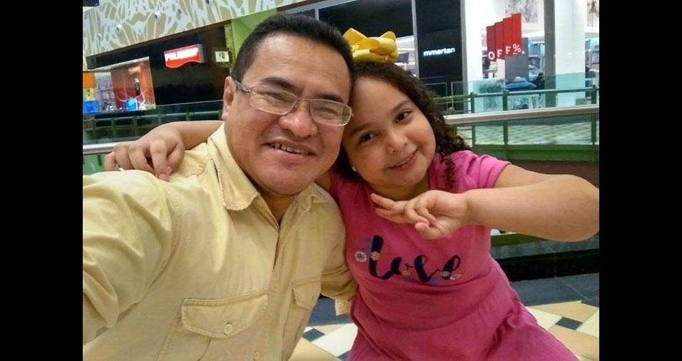 Mauro Solimões, de Manaus (AM), em linda homenagem da filha Larissa Bianca, de 9 anos