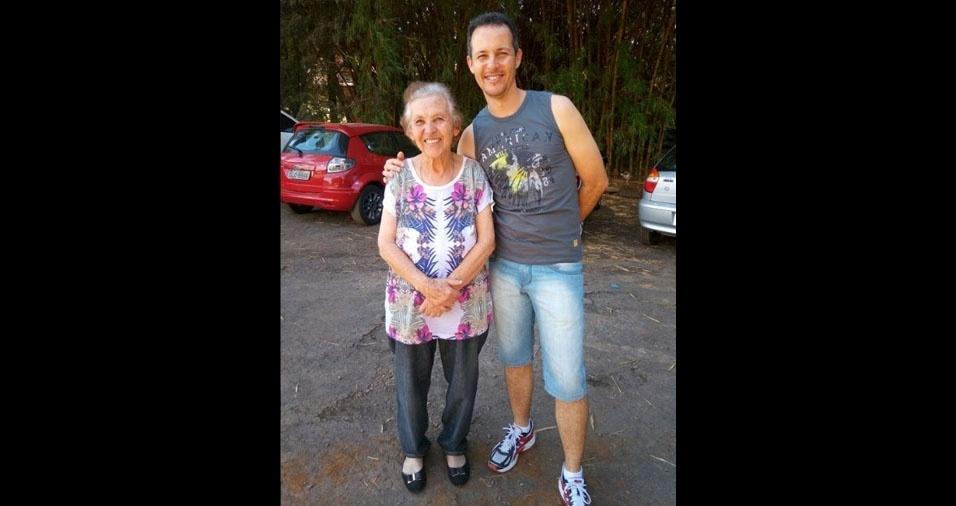 ClClaudinei José Gomes de Freitas com a mamãe Marlene, de Conselheiro Lafaiete (MG)