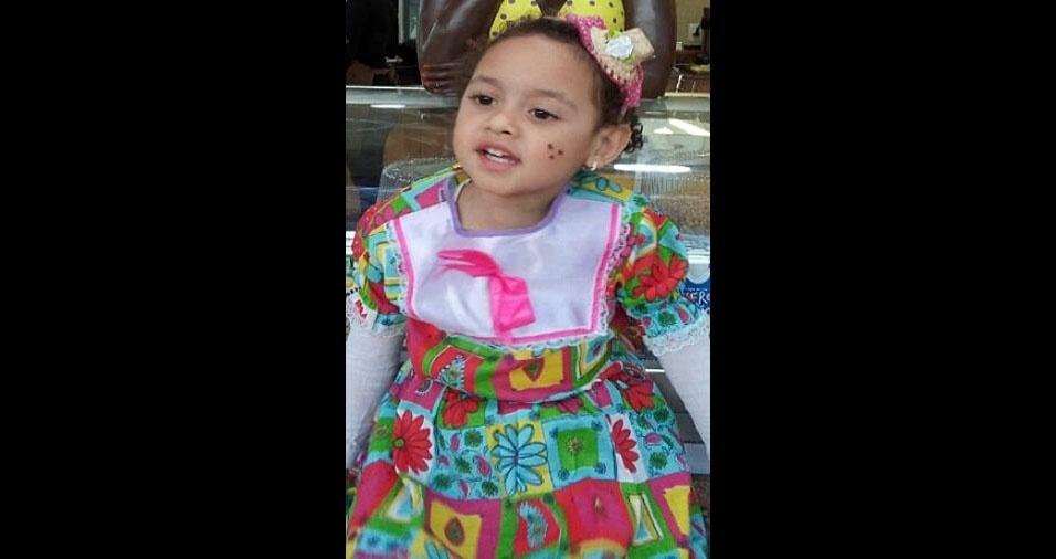 A mamãe Luciana Rosalvo e o papai Marcelo enviaram foto da caipirinha linda Maria Luiza, de São Paulo (SP)
